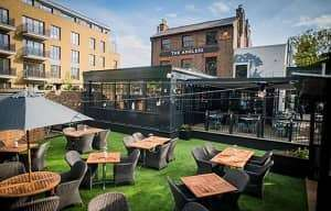 the-anglers-teddington-new-garden-bar (1)